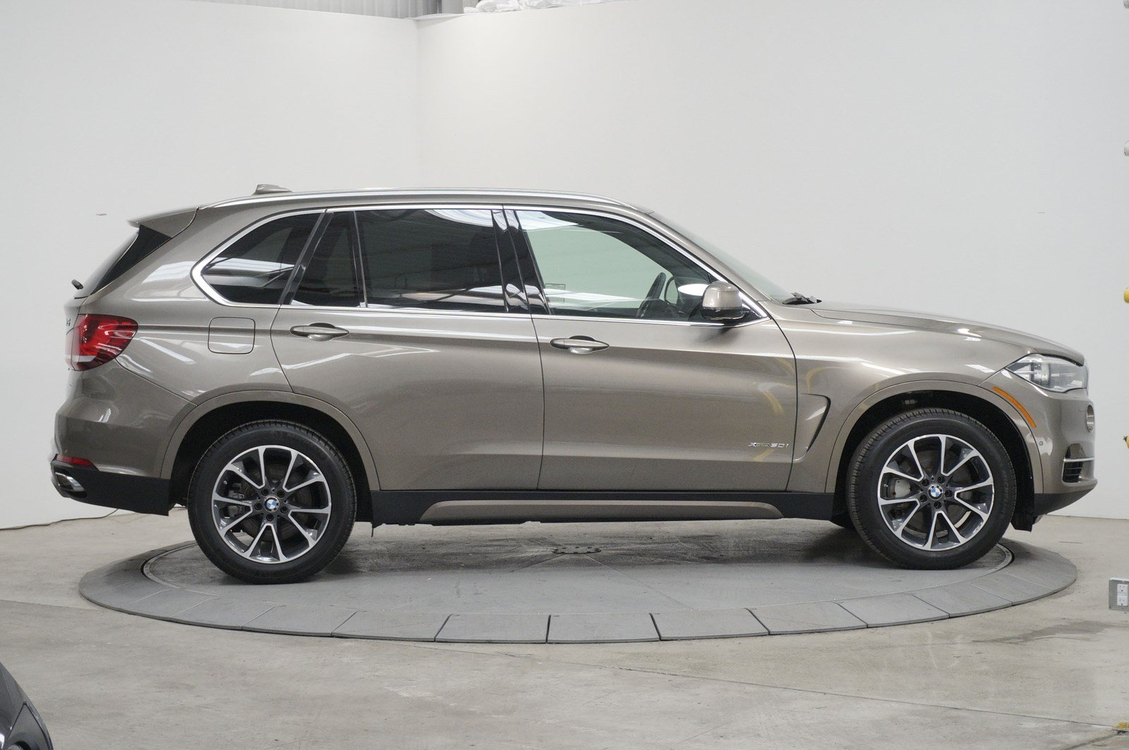 Certified Pre-Owned 2017 BMW X5 xDrive50i