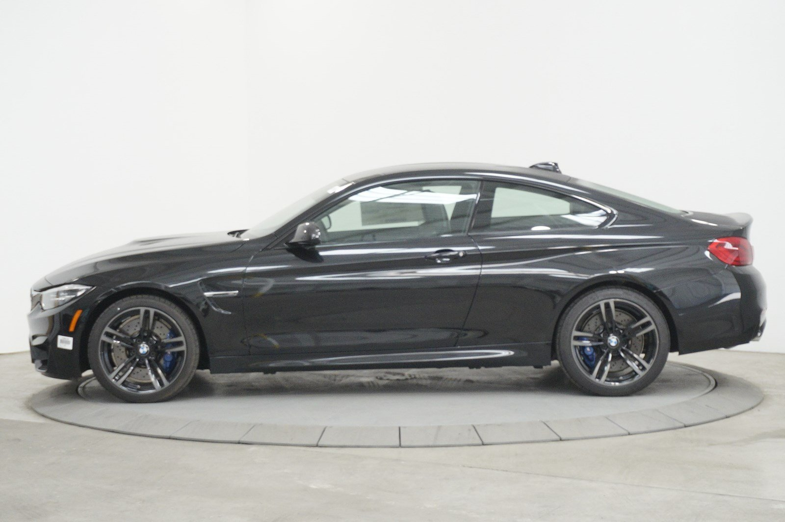 New 2018 BMW M4 Base