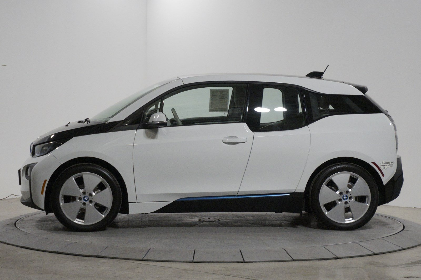 Certified Pre-Owned 2014 BMW i3