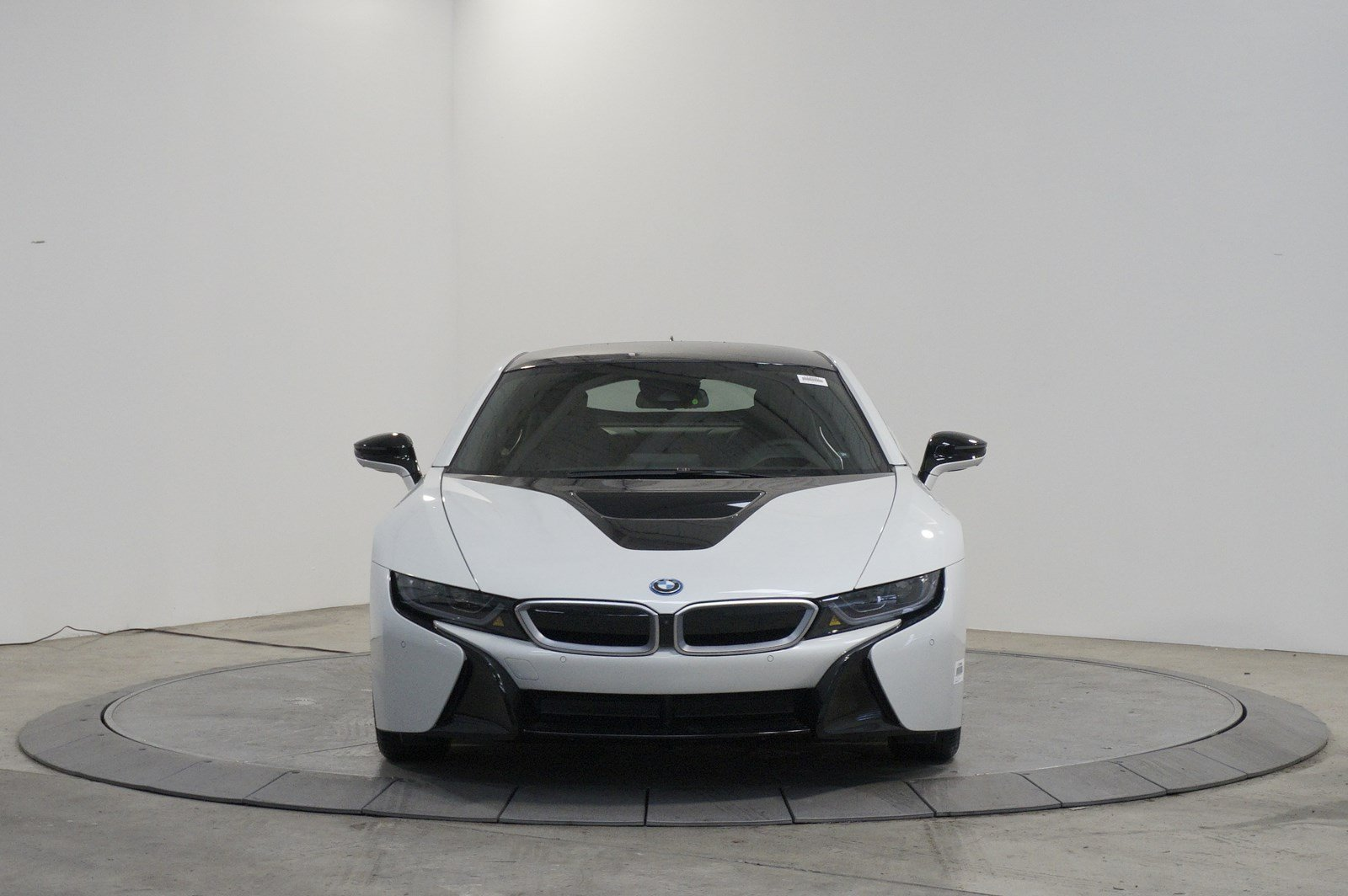 New 2017 BMW i8 Giga World