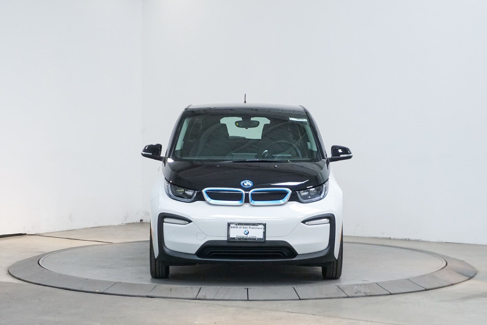 Certified Pre-Owned 2018 BMW i3 4DR HB 94 AH