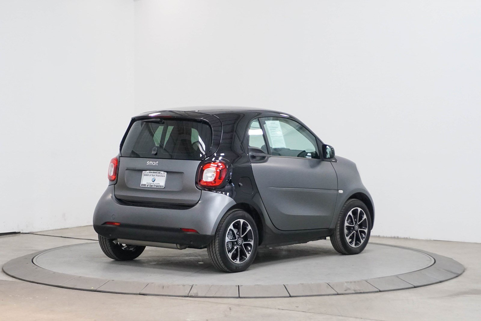 Pre Owned 2016 Smart Fortwo Pion